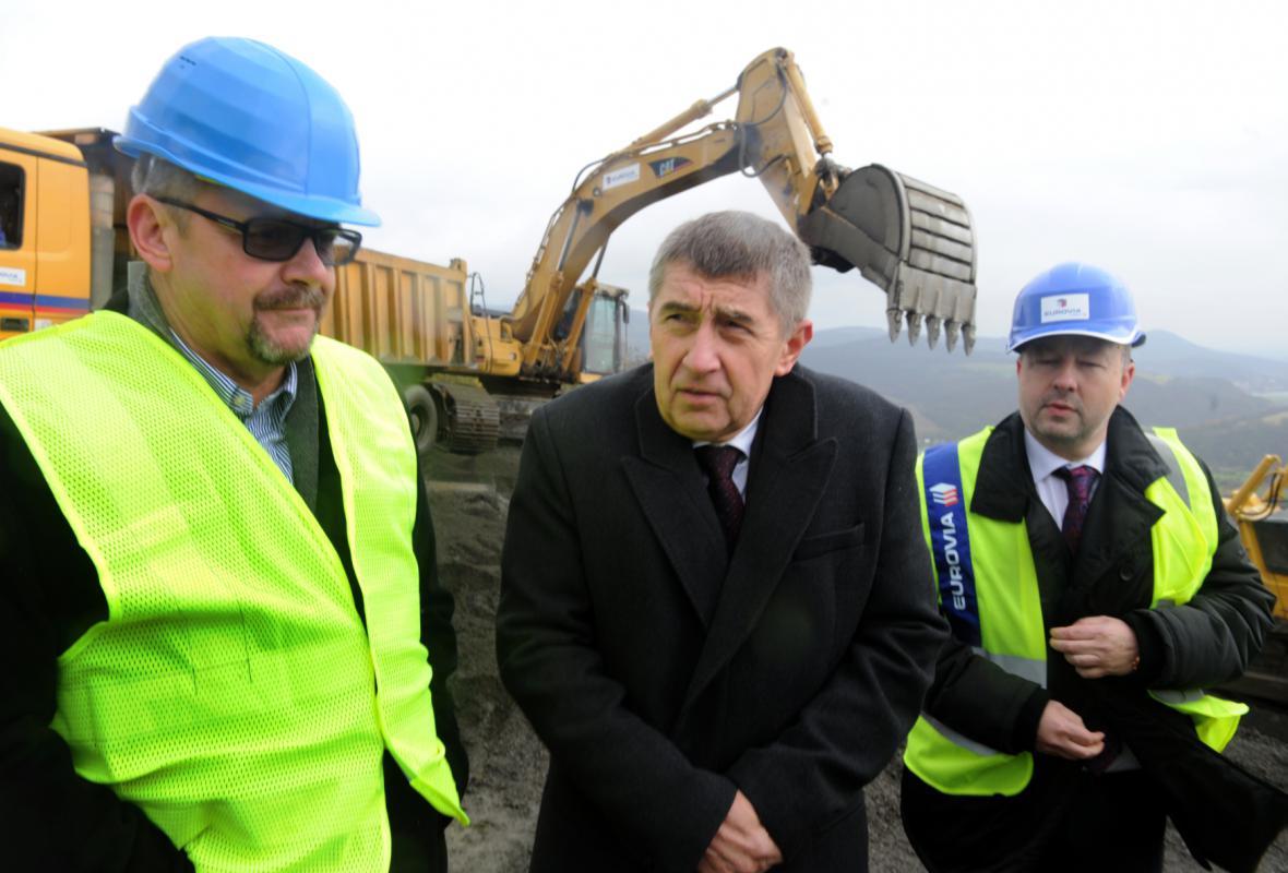 Ministři dopravy, financí a životního prostředí