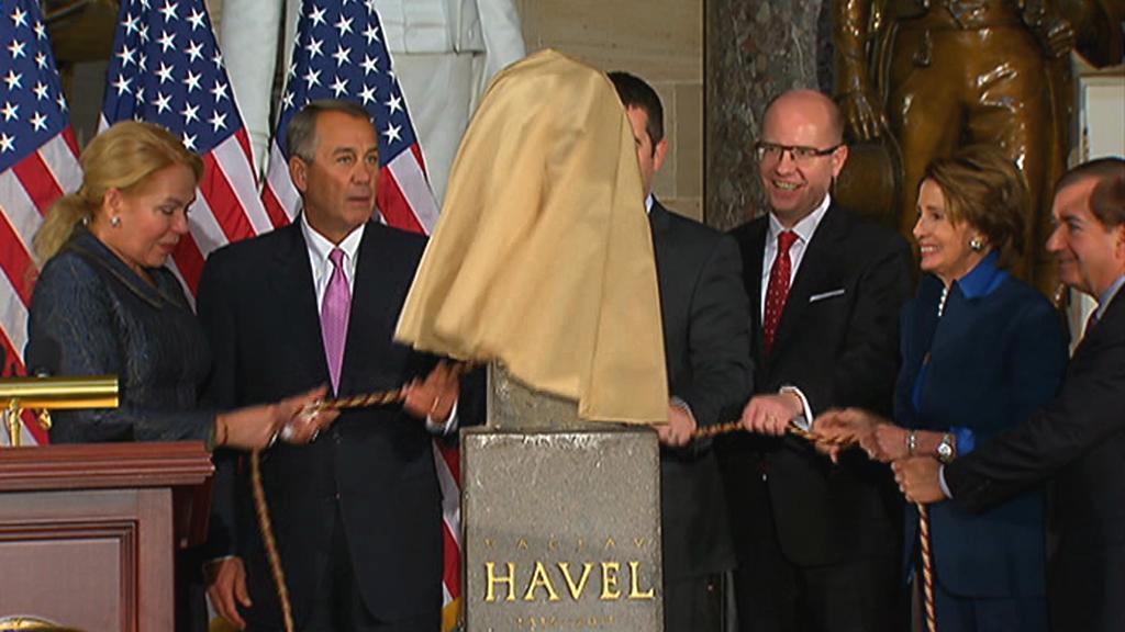 Odhalení Havlovy busty v Kapitolu