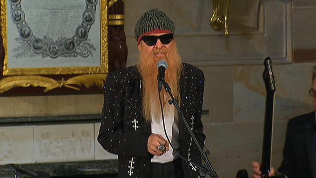 Billy Gibbons ze ZZ Top se postaral o hudební doprovod ceremoniálu