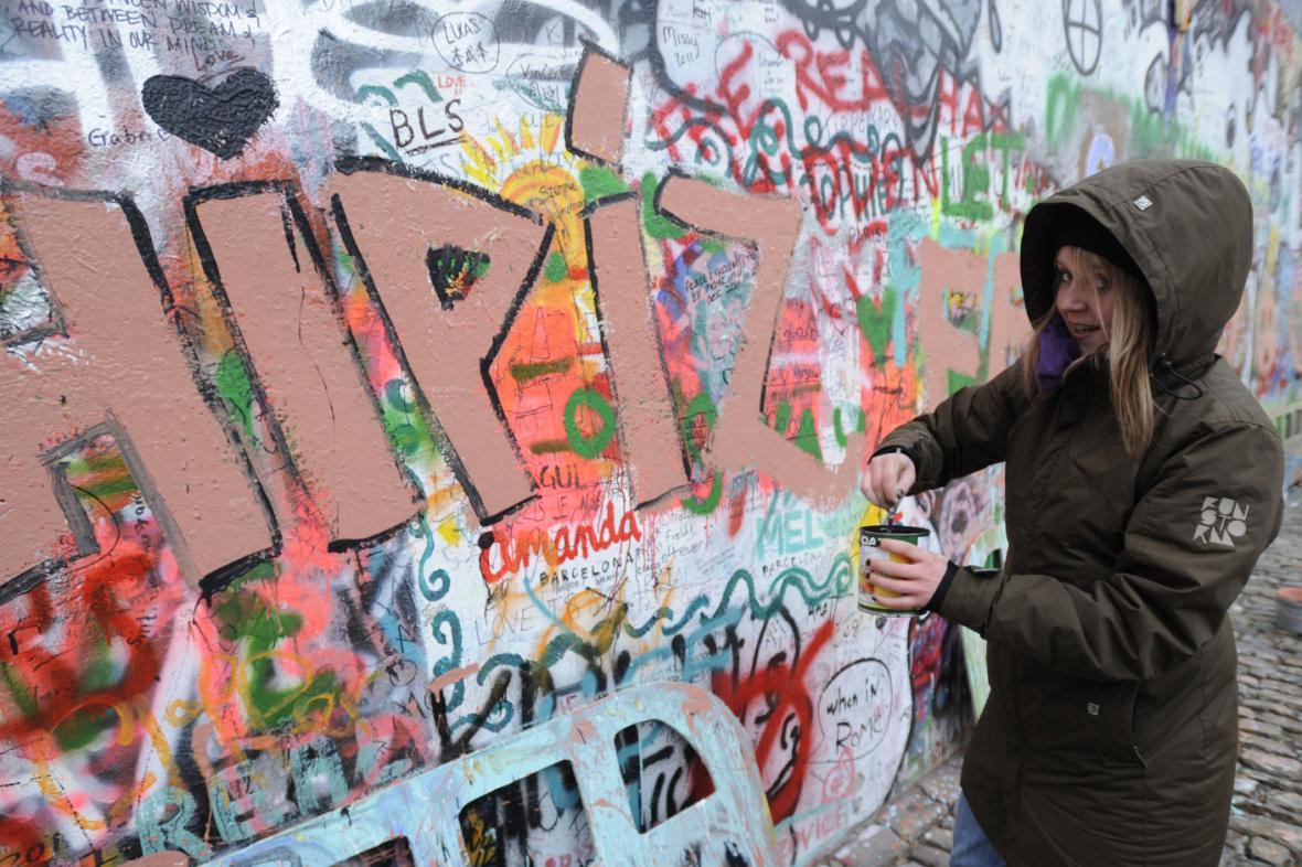 Lennonova zeď - archivní fotografie z 14. 2. 2012