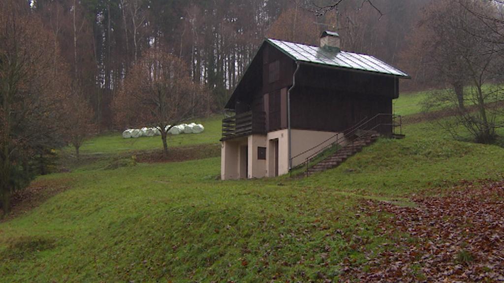 Chata na Hrádečku, ze které StB pozorovala Václava Havla