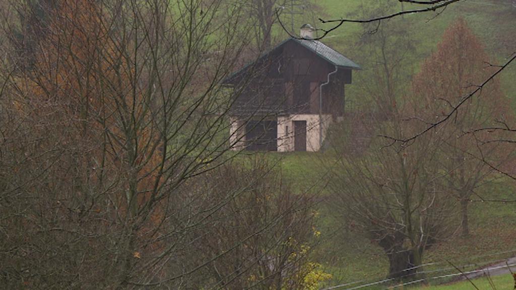Z této chaty pozorovala a odposlouchávala StB na Hrádečku Václava Havla