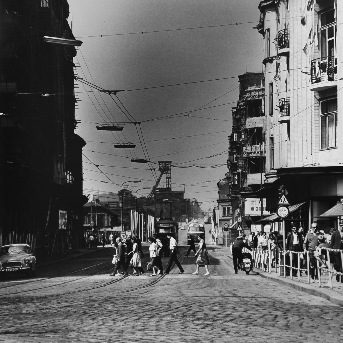 Pohled ulicí 28. října před rokem 1989