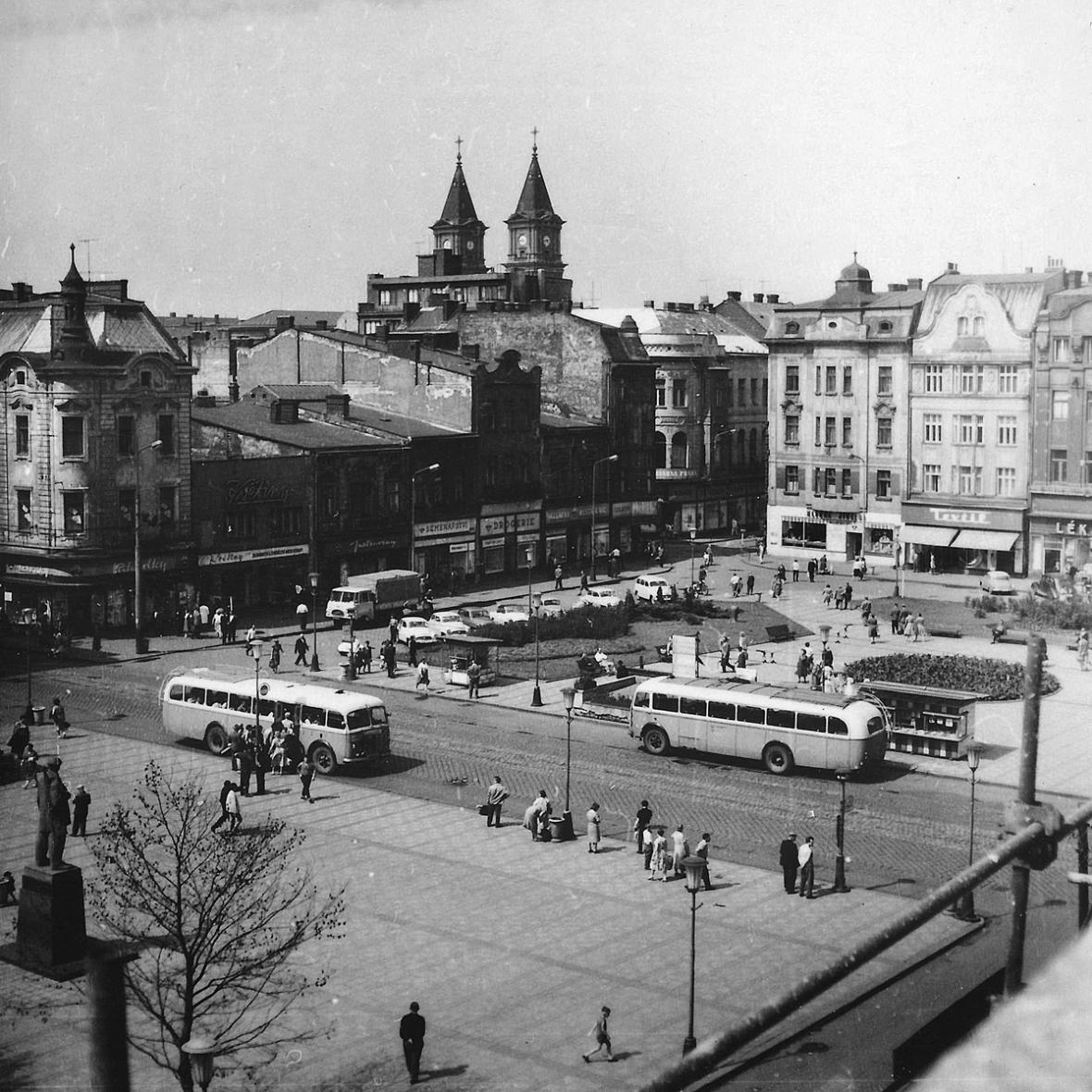 Masarykovo náměstí - Ostrava před rokem 1989