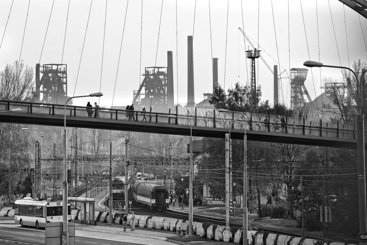 Pěší most k Nové Karolině - Ostrava dnes