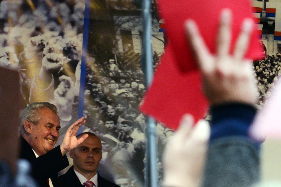 25. výročí 17. listopadu - Miloš Zeman při projevu