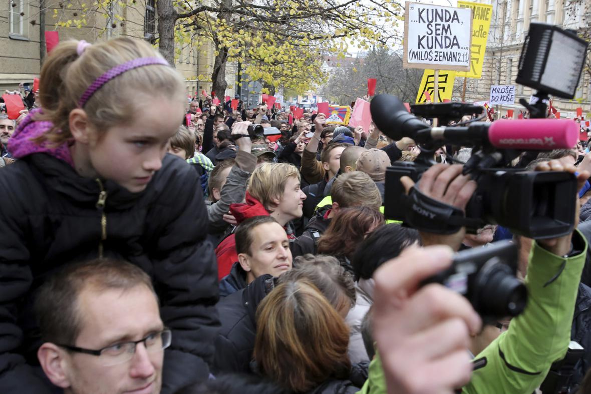 25. výročí 17. listopadu - demonstrace proti prezidentu Zemanovi