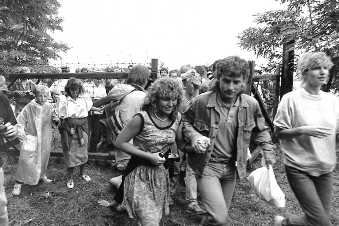 Panevropský piknik na maďarsko-rakouské hranici v srpnu 1989