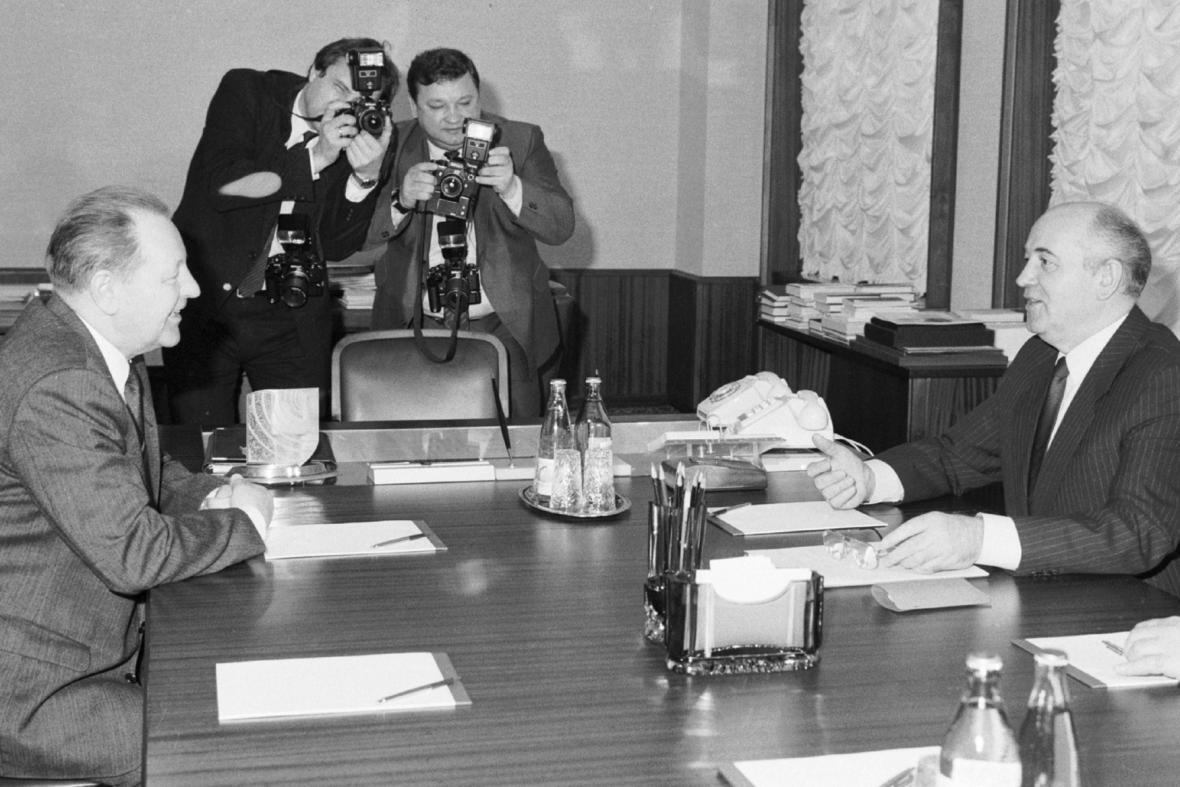 Miloš Jakeš a Michail Gorbačov, Moskva - duben 1989