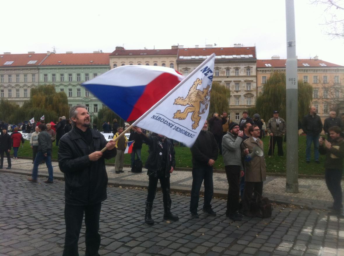 Shromáždění na podporu prezidenta na pražském Klárově