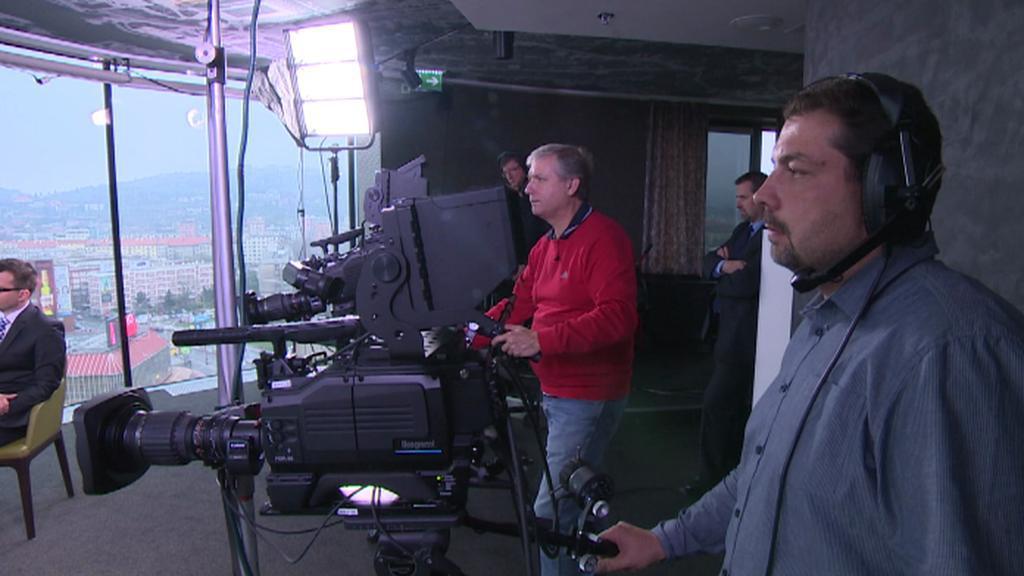 Práce kameramanů během přímého přenosu