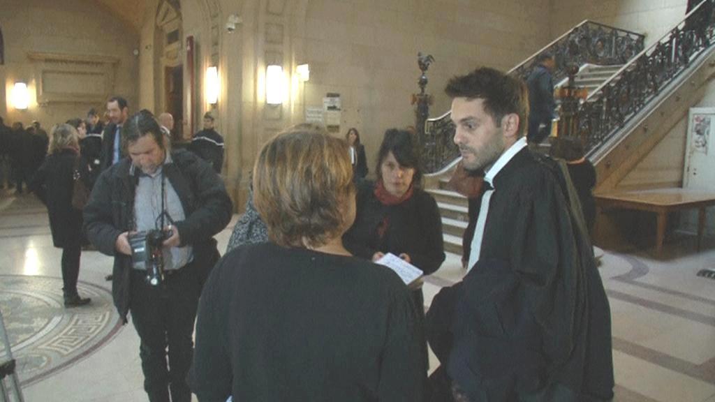 Moreauoův právník odpovídá novinářům