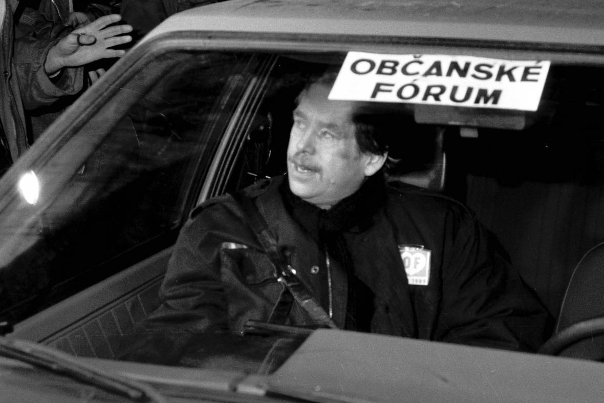 Václav Havel po jednání Občanského fóra, prosinec 1989