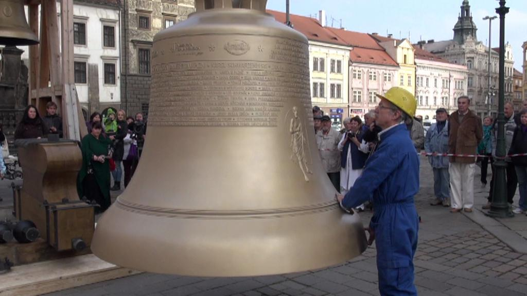 Zvon Bartoloměj a jeho tvůrce Petr Rudolf Manoušek