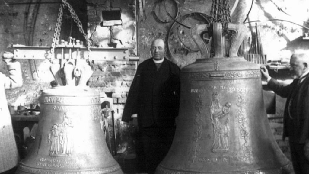 Archivní snímek plzeňských zvonů