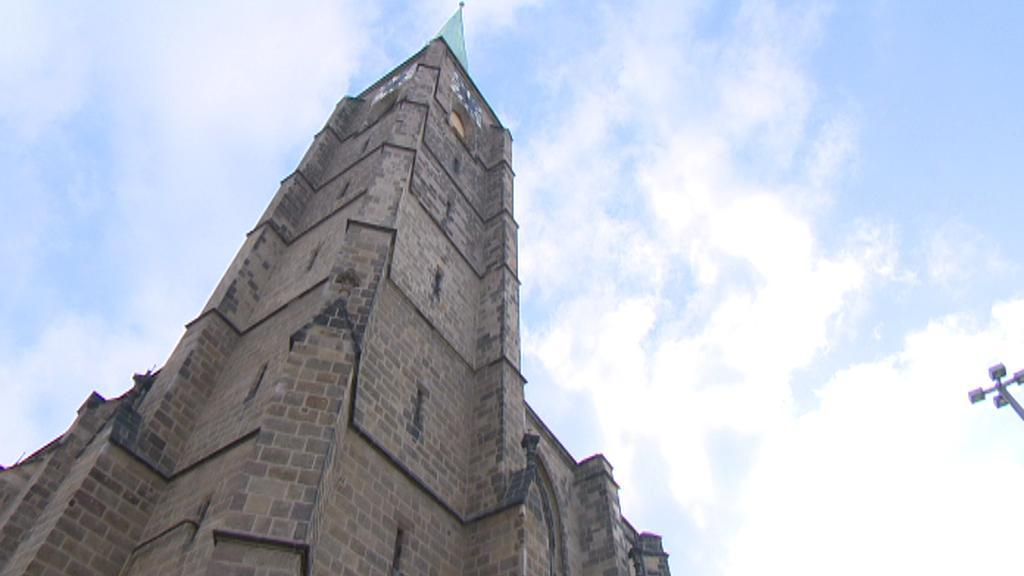Věž katedrály sv. Bartoloměje v Plzni
