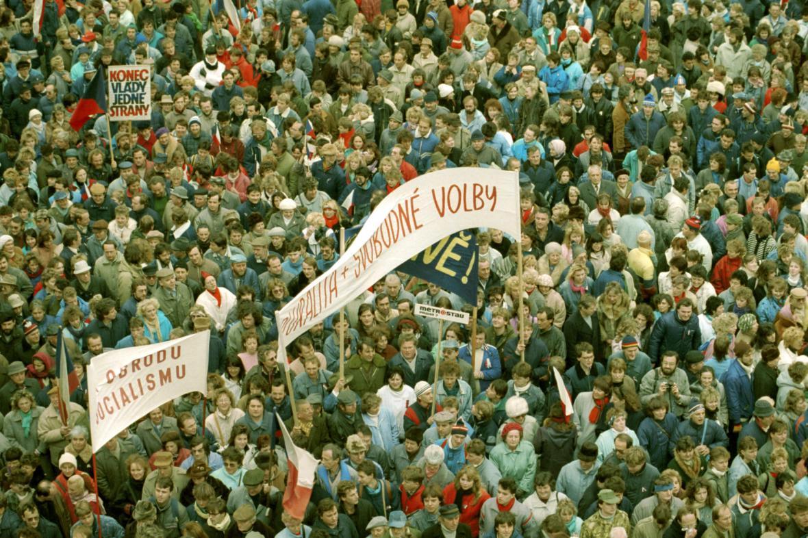 Generální stávka na Václavském náměstí, 27. listopadu 1989