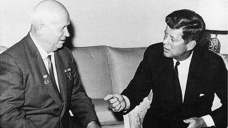 Chruščov a Kennedy v roce 1961