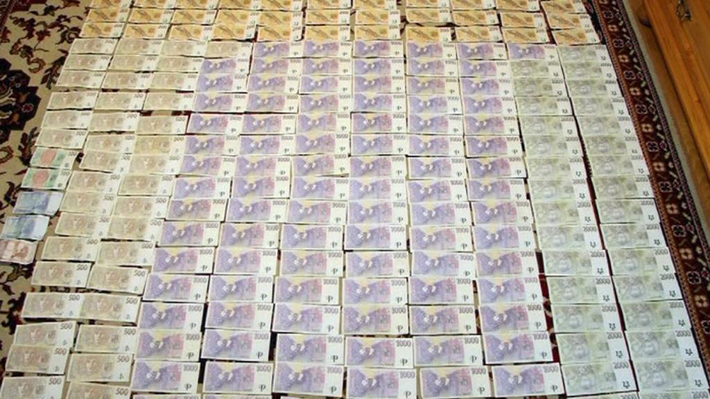 Česká policie zajistila výrobcům pervitinu peníze v hotovosti
