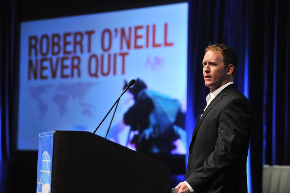 O'Neill pracuje v současnosti jako profesionální řečník