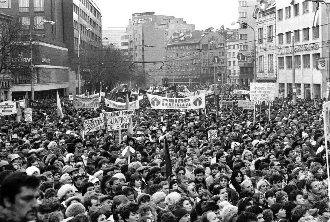 Listopad 1989: Generální stávka v Bratislavě