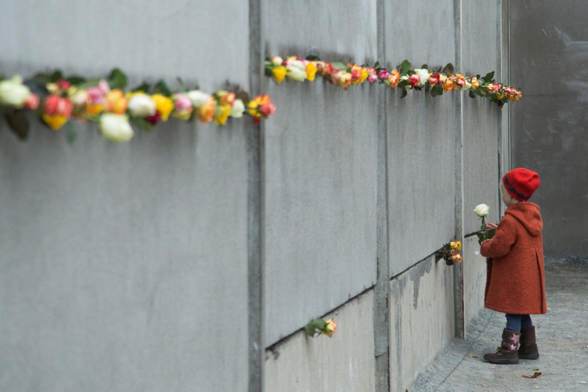 Německo si připomnělo 25. výročí Berlínské zdi