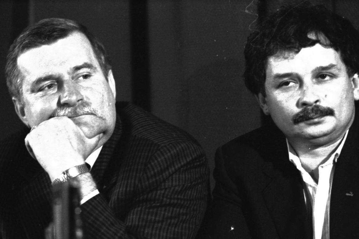 Lech Wałęsa a Lech Kaczyński na povolební tiskové konferenci