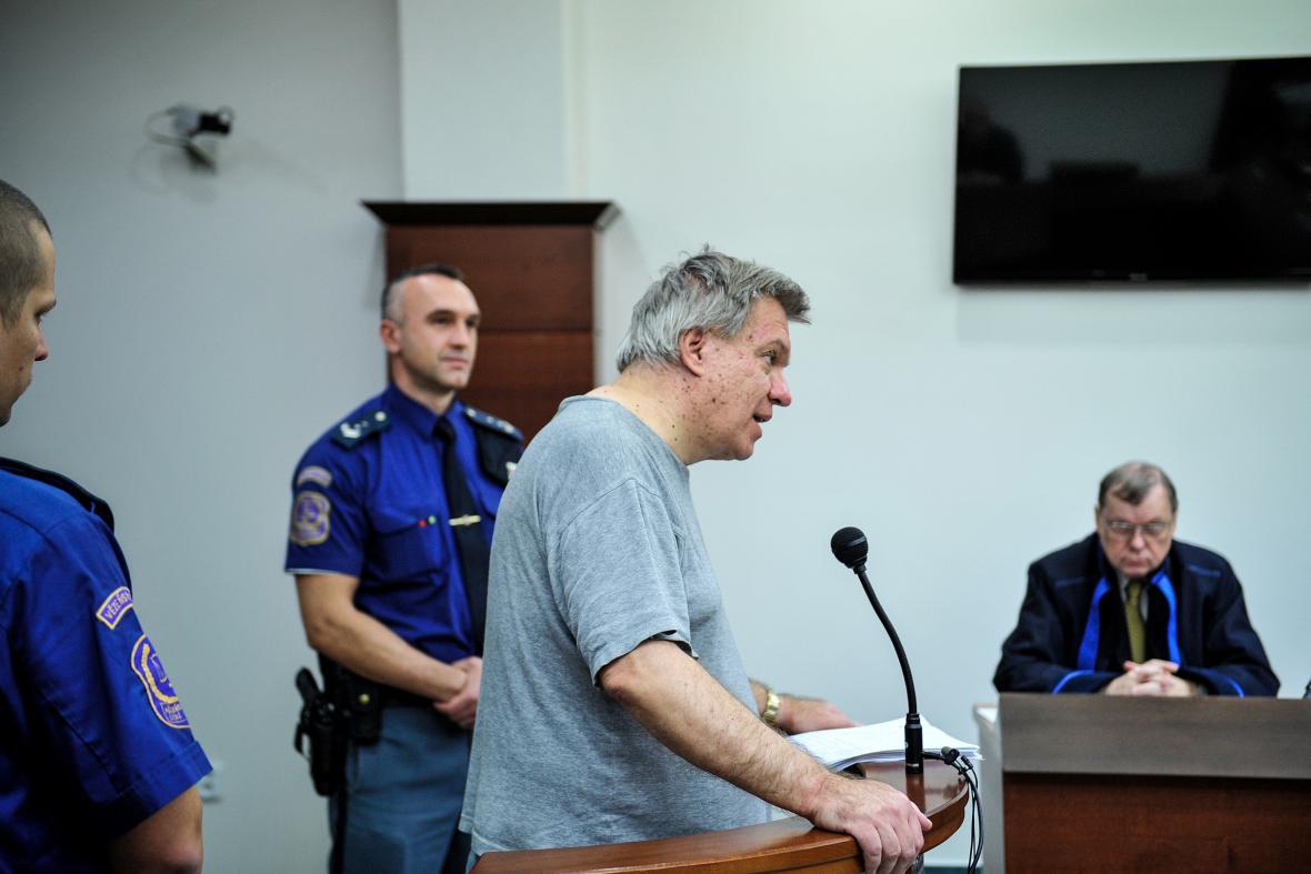 Lékař Jaroslav Barták vypovídá u libereckého soudu