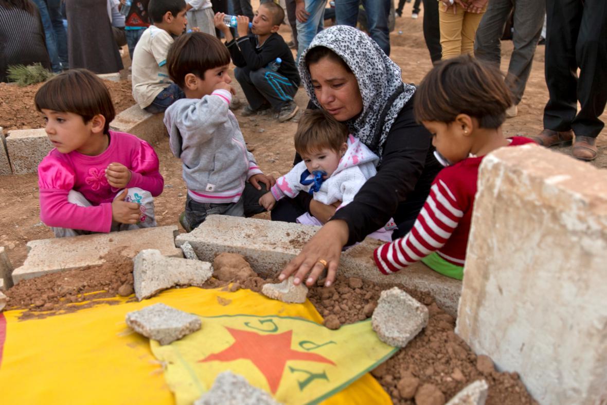 Kurdové z Kobani v uprchlickém táboře poblíž tureckých hranic