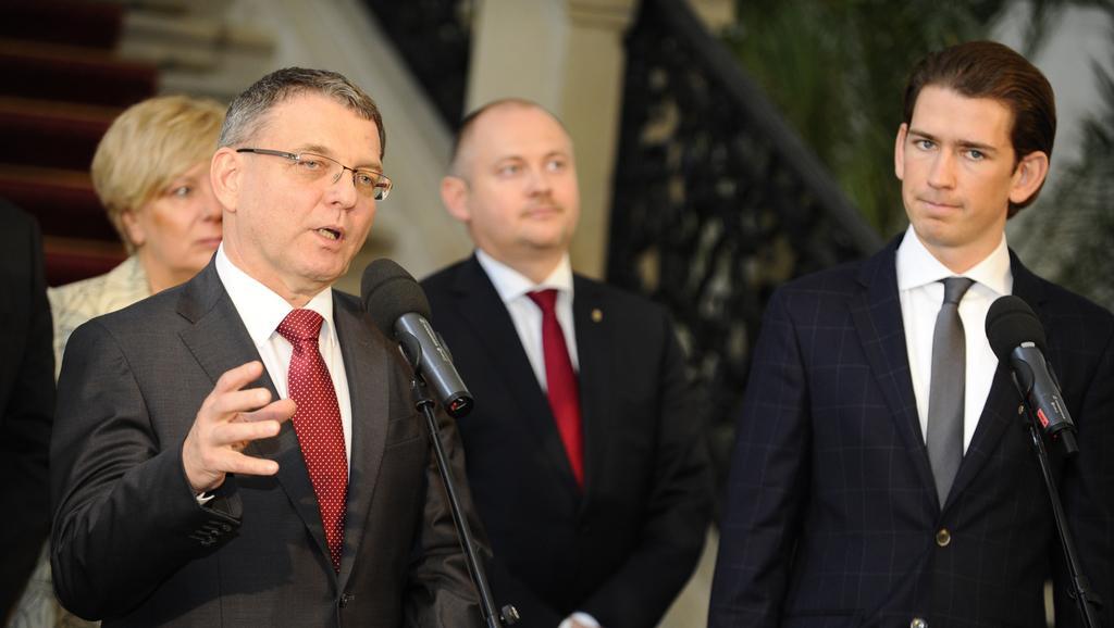 Jednání české a rakouské diplomacie v Mikulově