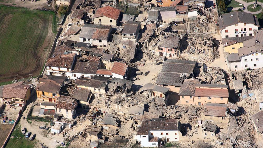 Následky zemětřesní v Aquile