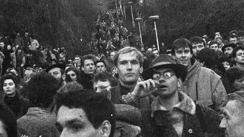 Schody nad Albertovem 17.11.1989