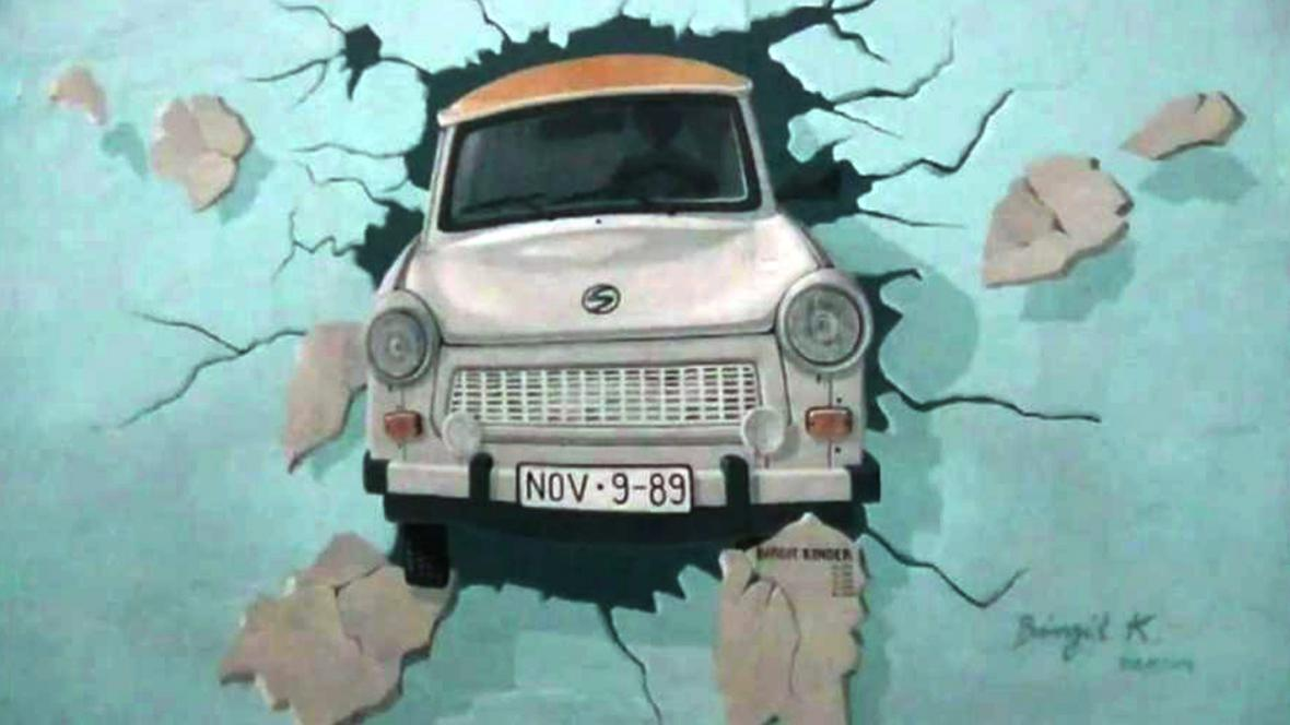 Trabant na East Side Gallery
