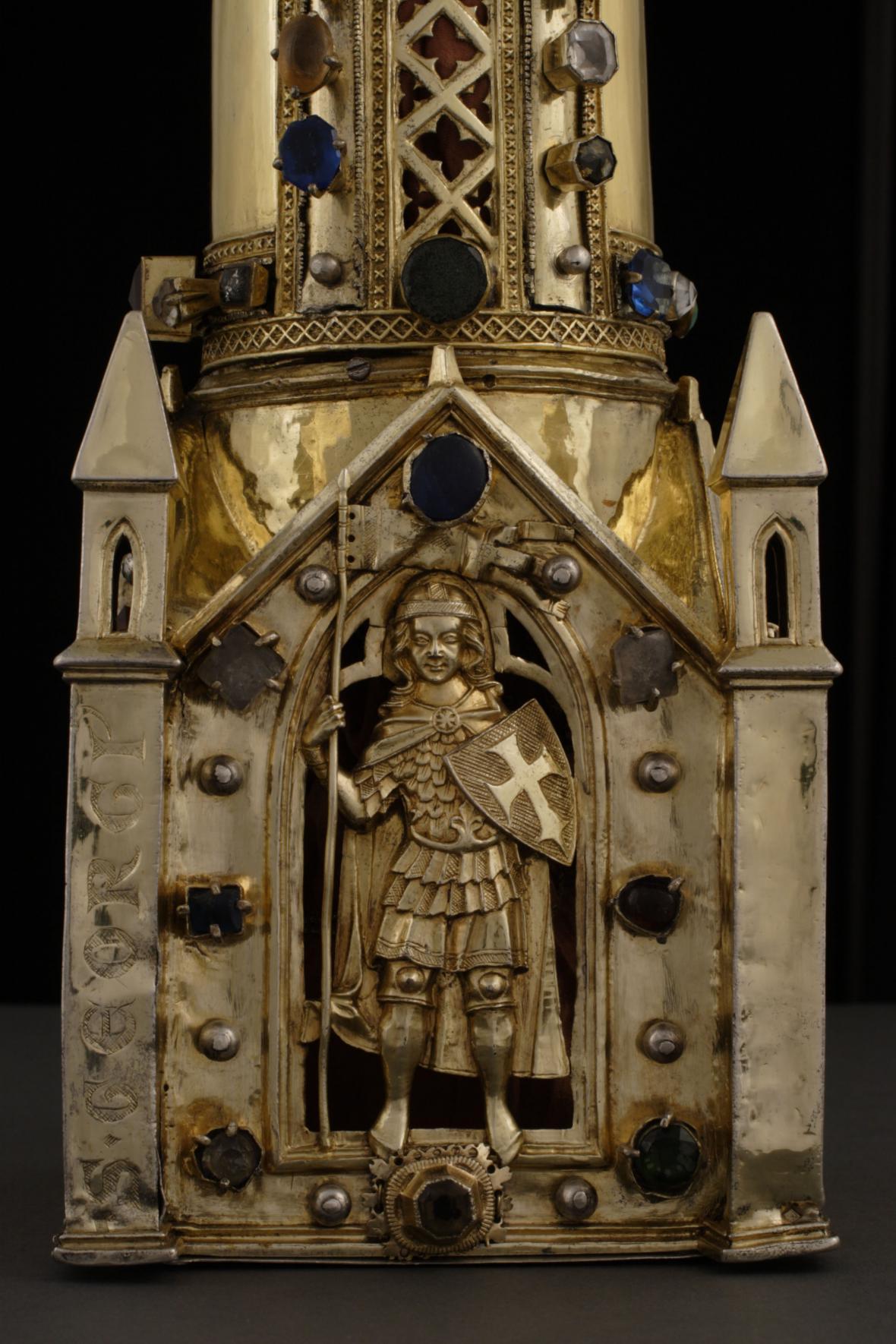 Relikviář paže sv. Jiří z kláštera sv. Jiří na Pražském hradě