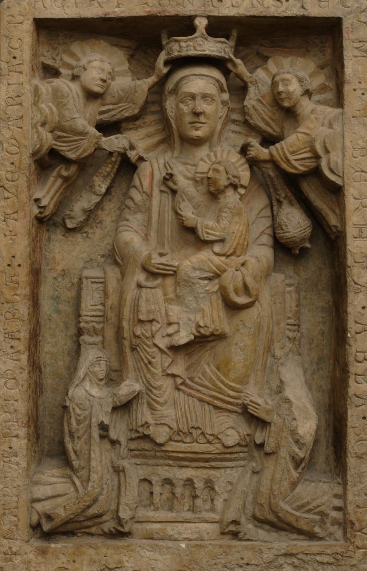 Reliéf z baziliky sv. Jiří