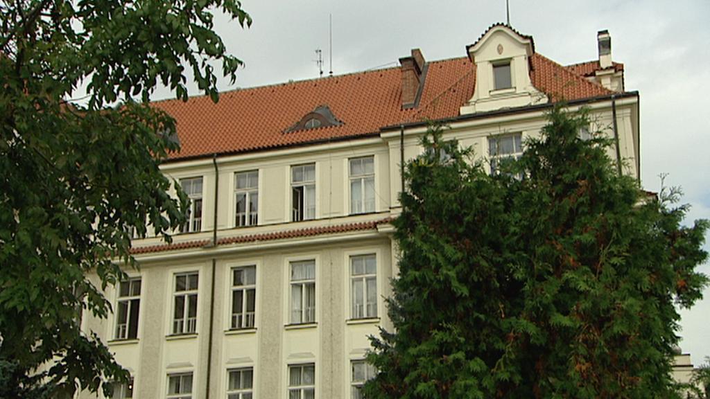 Gymnázium U Libeňského zámku