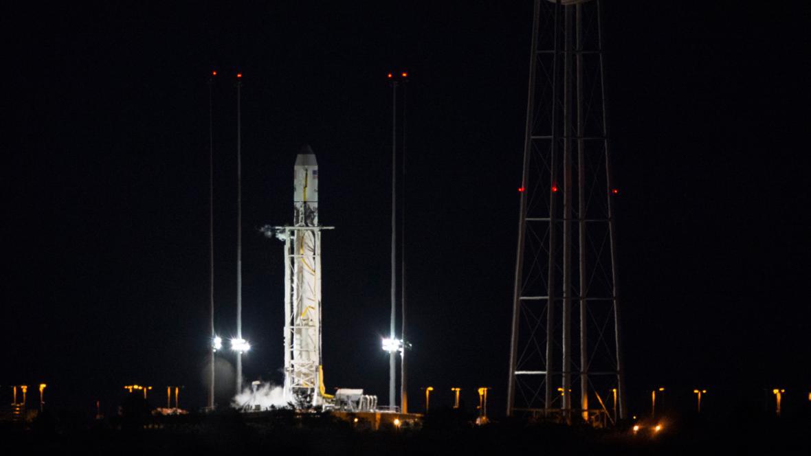 Raketa Antares před startem