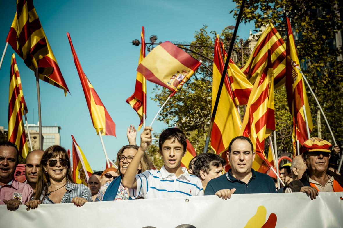 Katalánci demonstrují za jednotu Španělska
