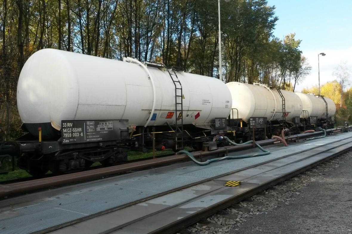 Odvážení státní nafty ze skladů společnosti Viktoriagruppe