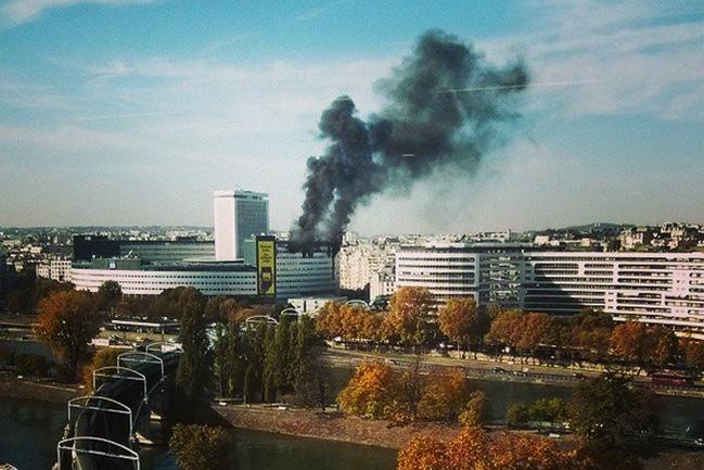 Požár veřejnoprávního rozhlasu v Paříži