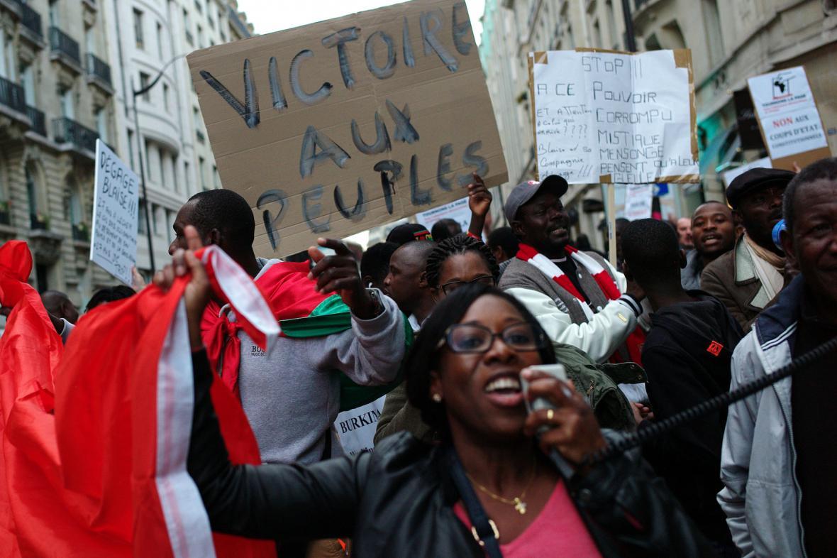 Shromáždění v Paříži na podporu protestů v Burkina Fasu