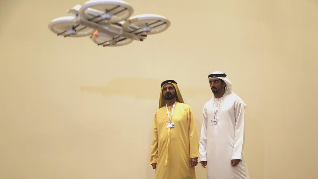 Emiráty představily dron na doručování balíků