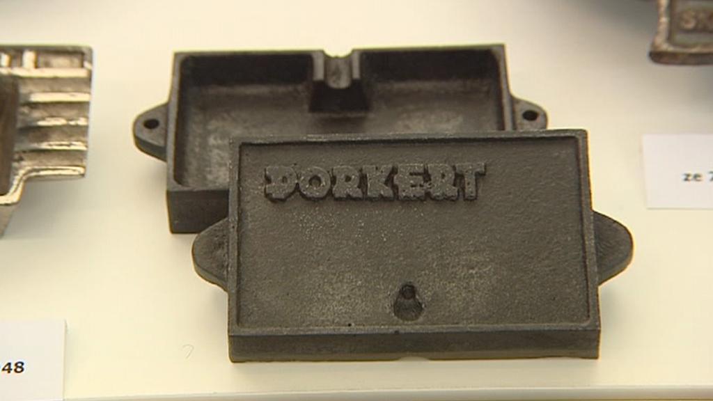 Výrobek firmy Porkert v muzeu ve Skuhrově nad Bělou
