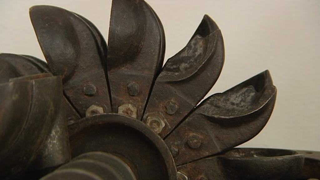 Mlýnek firmy Porkert v muzeu ve Skuhrově nad Bělou