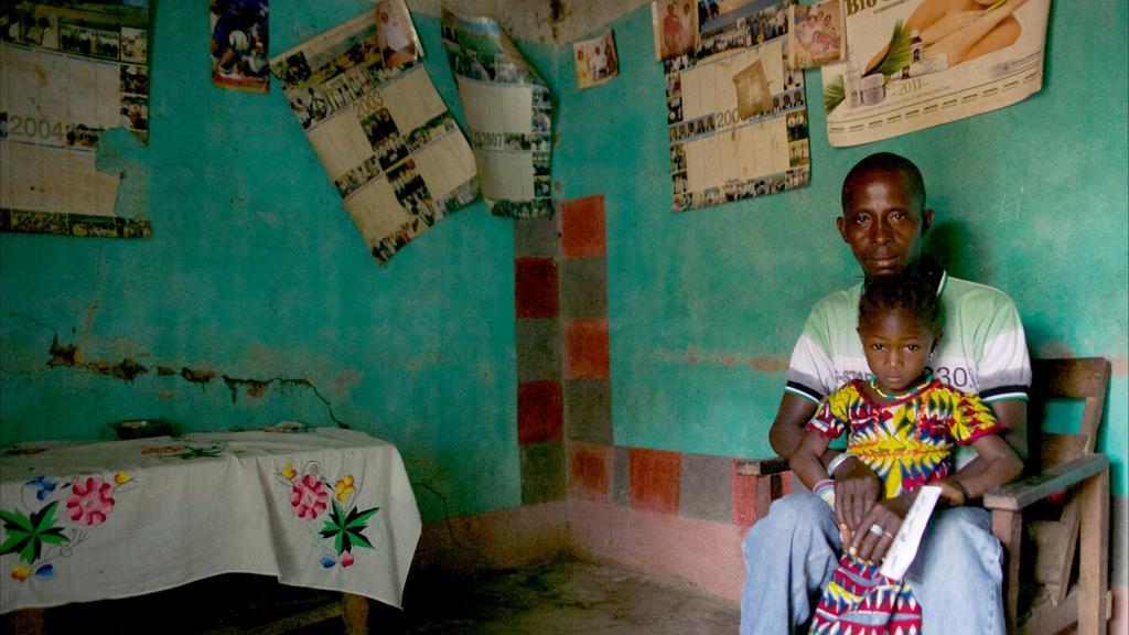 Život v Meliandou je ještě těžší než před objevem smrtelné nákazy