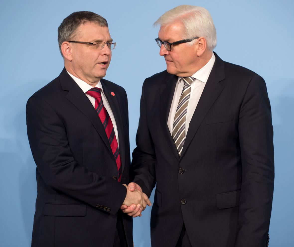 Český a německý ministr zahraničí na konferenci v Berlíně