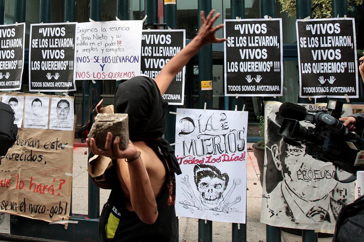 Demonstrace za pohřešované studenty v Mexiku