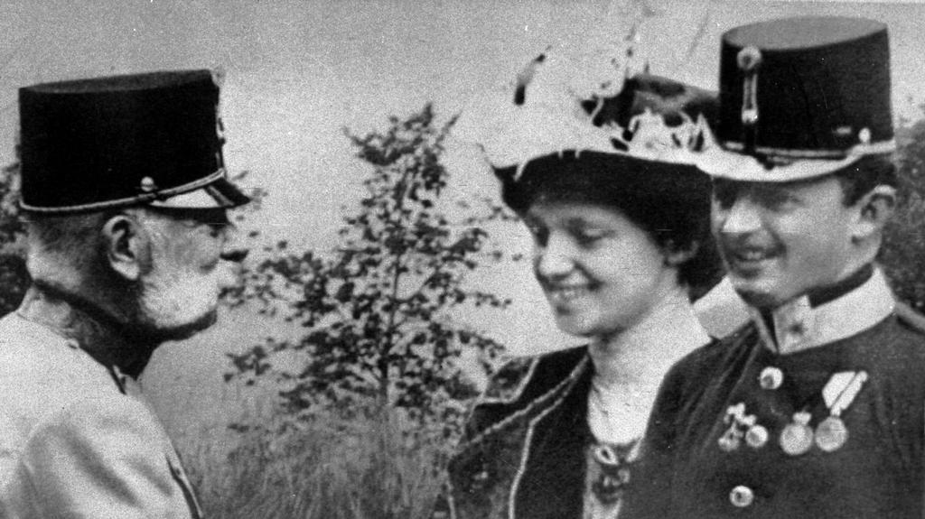 Karel I. s manželkou Zitou ve společnosti Františka Josefa I.