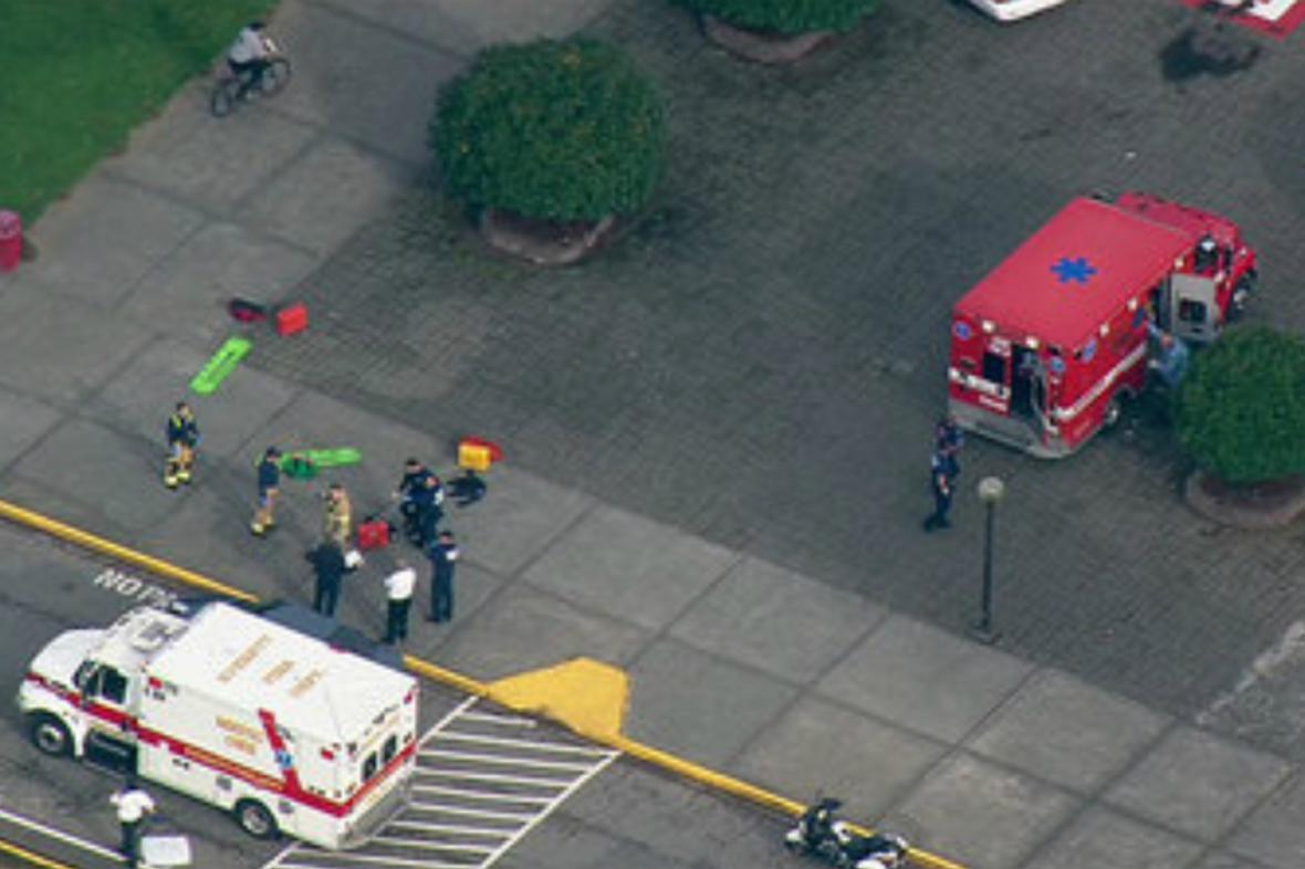 Střelba na střední škole u Seattlu