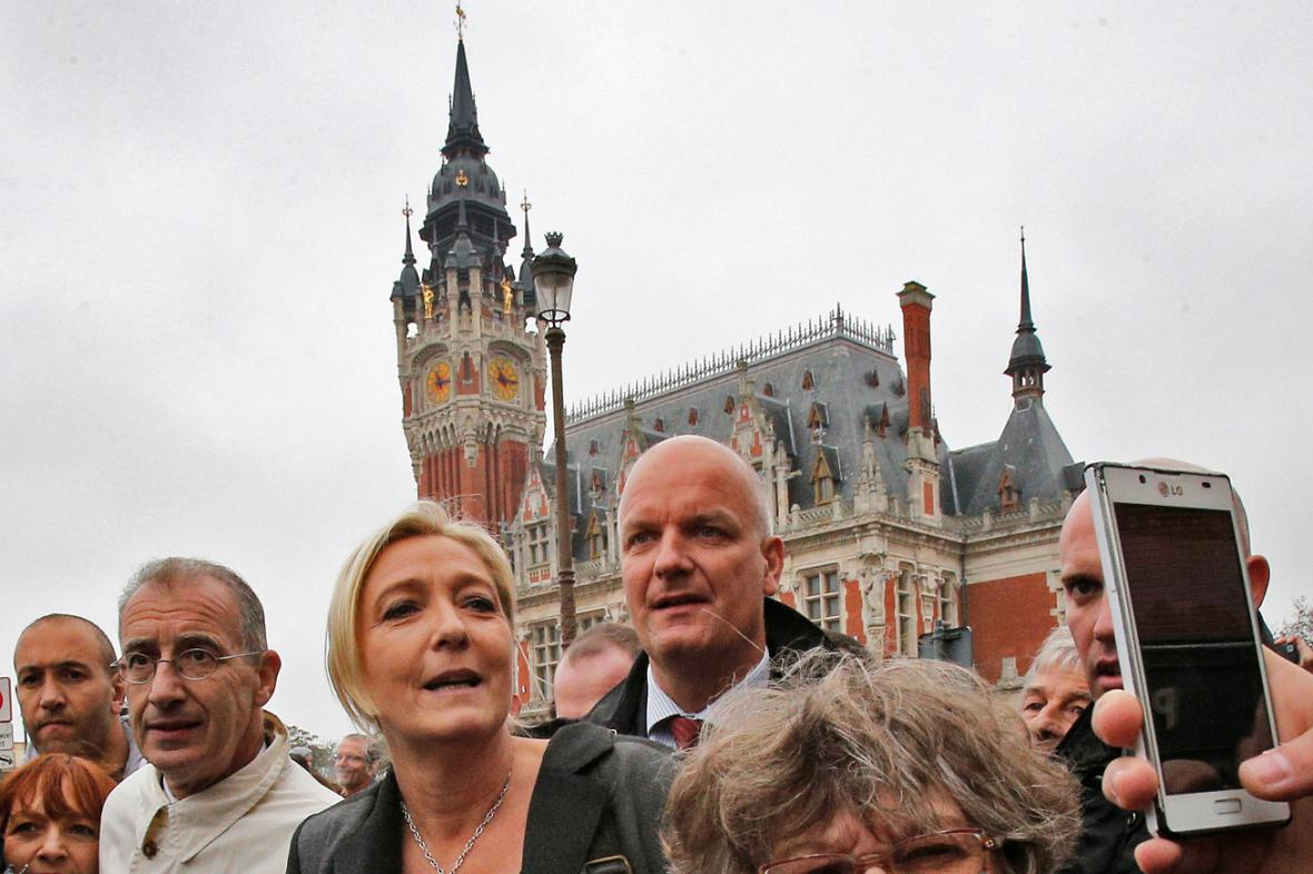 Marine Le Penová na návštěvě v Calais
